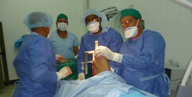 Cuando los médicos cubanos la operaron inició el camino para recuperar también su sonrisa. Foto: Brigada Médica Cubana