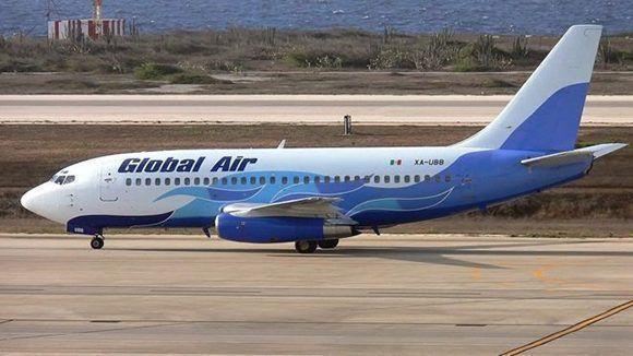 Un-Boeing-737-de-Global-Air-580x326.jpg